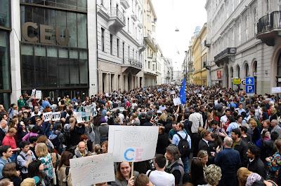 CEU, lex CEU, Közép-európai Egyetem, Budapest, Magyarország, felsőoktatás, Oktatási Szabadságot