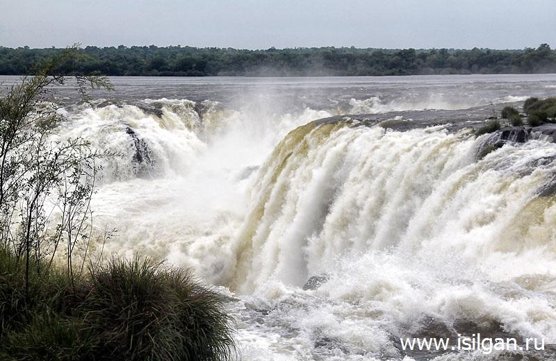 Водопады Игуасу (Cataratas del Iguazu). Глотка Дьявола (Garganta del Diablo). Аргентина