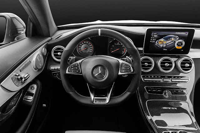 Mercedes-AMG C 63 S Coupé - interior