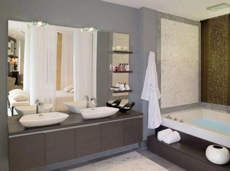 Cermin di kamar mandi Anda