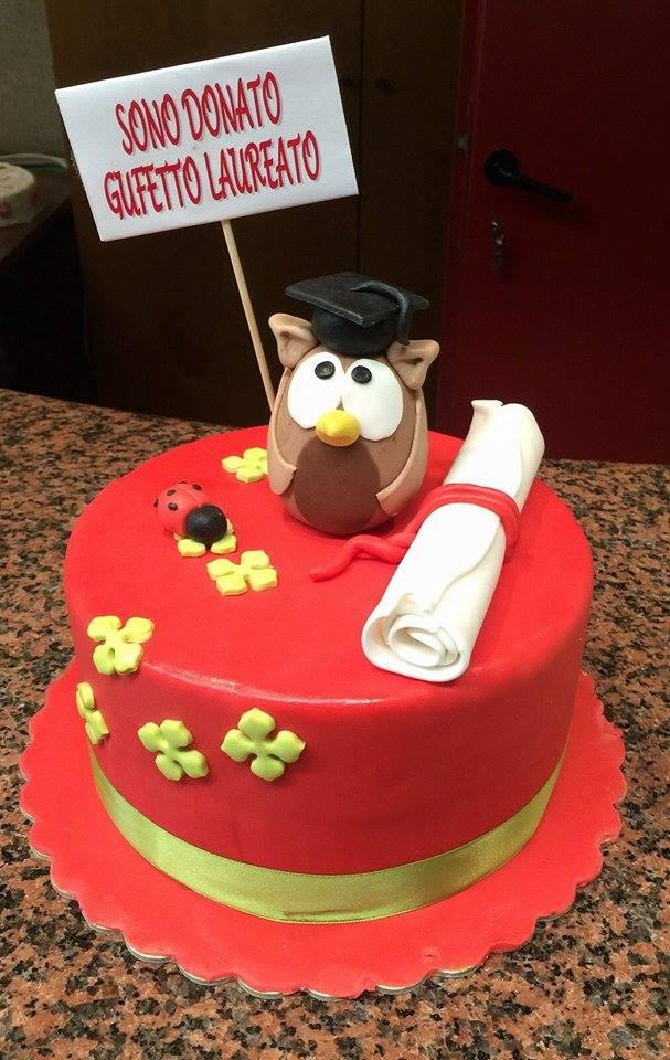 Il gufetto è il ptotagonista assoluto della torta a un piano qui sotto da4a8ff1a42d