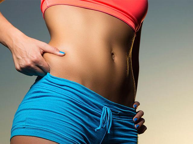 Trucos para un abdomen plano sin hacer ejercicio