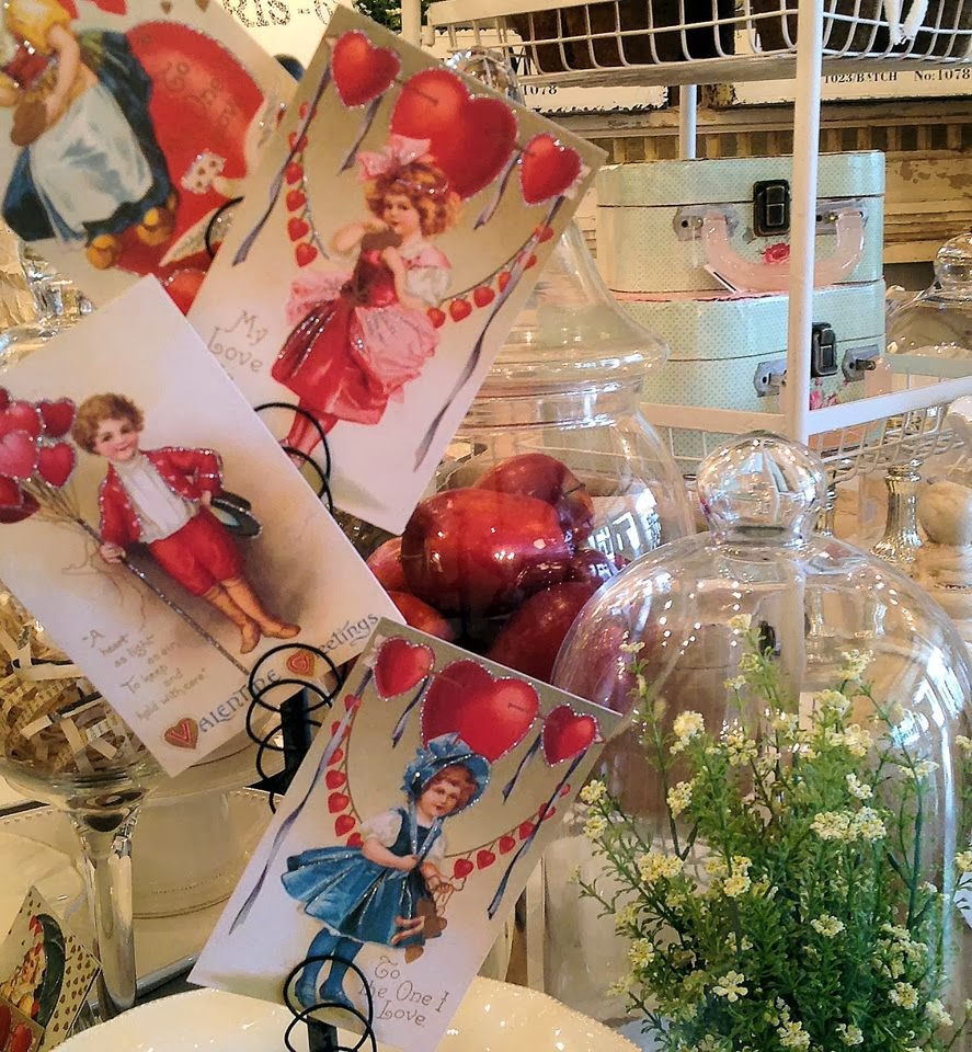 LaurieAnna's Vintage Home: Valentines At The Shoppe And