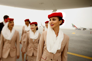 وظائف الخطوط الجوية الامارتية للشباب من الجنسين بدون خبرة راتب 9500 درهم اماراتي