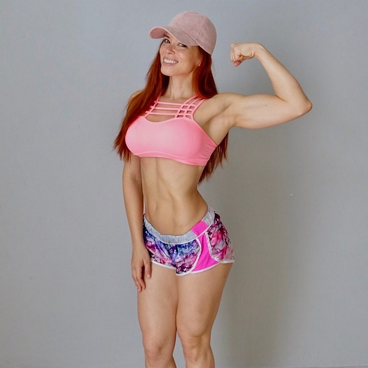 Ana Delia fitness model