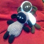 http://24-horas-es-poco.blogspot.com.es/2008/07/sleep-baby-sheep-patron-en-espaol.html