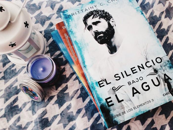 Foto del libro El silencio bajo el agua de la autora Brittainy C. Cherrry