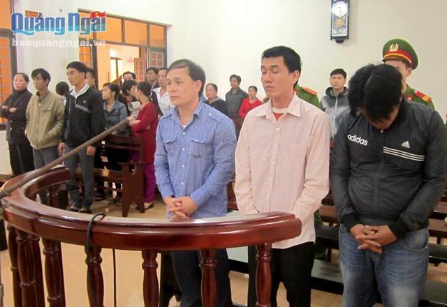 Quảng Ngãi Nhóm côn đồ xông vào bệnh viện truy sát người lãnh án