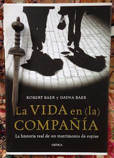 Portada del libro La vida en (la) compañía, de Robert y Dayna Baer