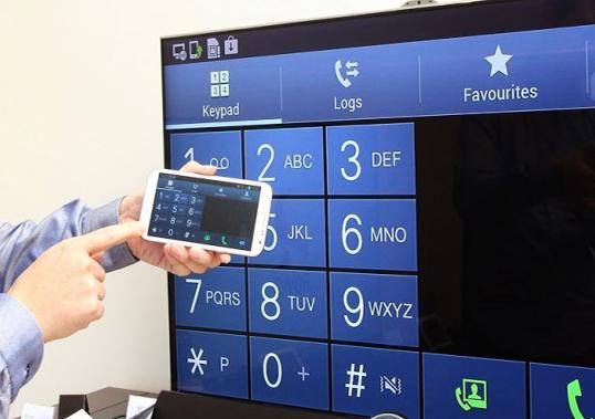 كيف-تقوم-بربط-الهاتف-او-الكمبيوتر-بشاشة-التلفاز