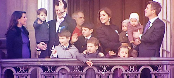 Danish royal family is the dynastic family of the monarch. Danish throne as a hereditary monarchy was the Kongeloven