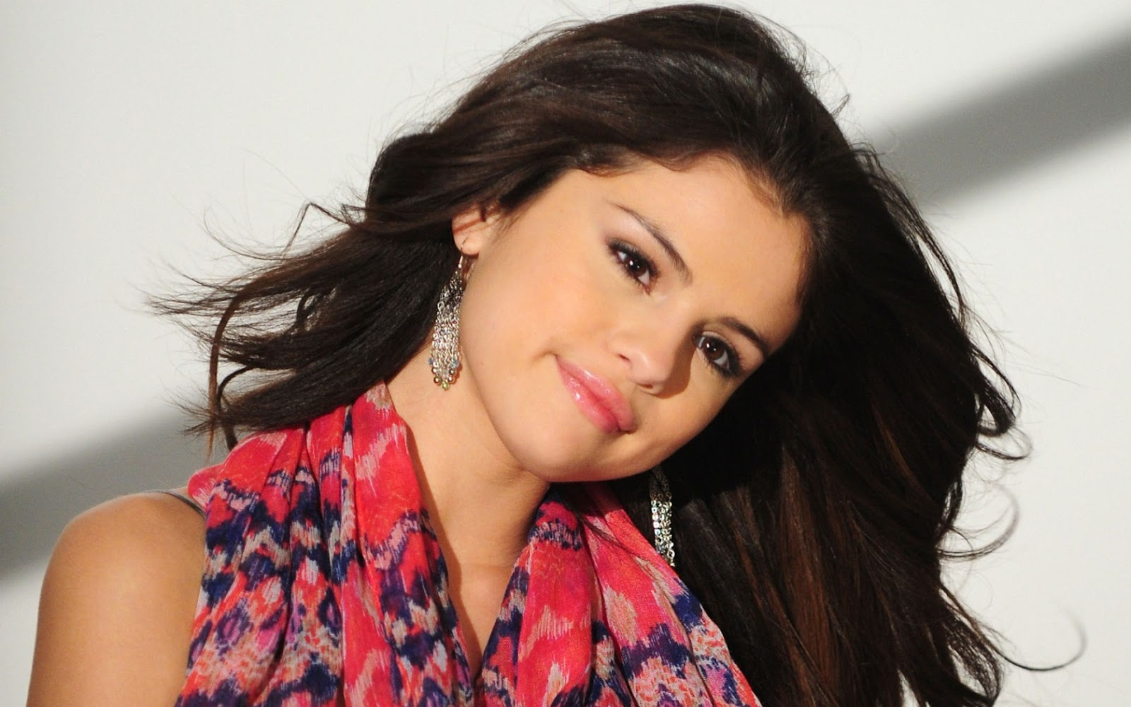 Selena Gomez Latest Hot Hd Wallpapers For Desktop And Notebook-1758