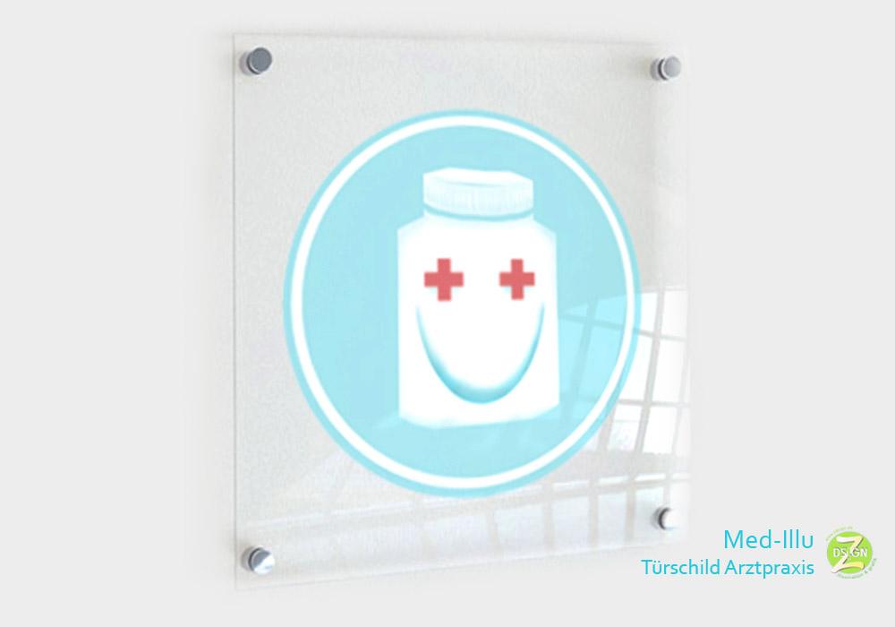 türschild-in-arztpraxis-mit-lächelnder-pillenbox