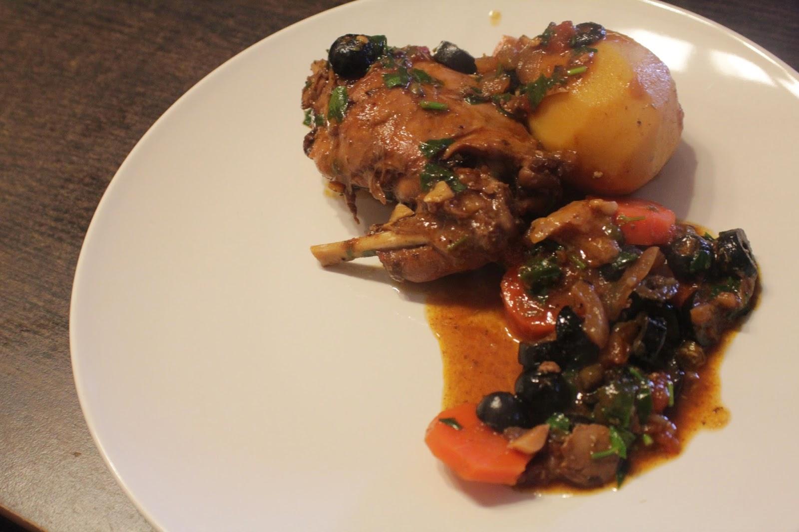 gotowany królik, gulasz z królika, duszony królik, danie główne, jednogarnkowe, wykwintny królik, rabbit stew
