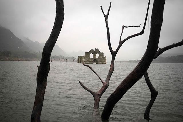 400 éves templom bukkant fel a vízből Mexikóban