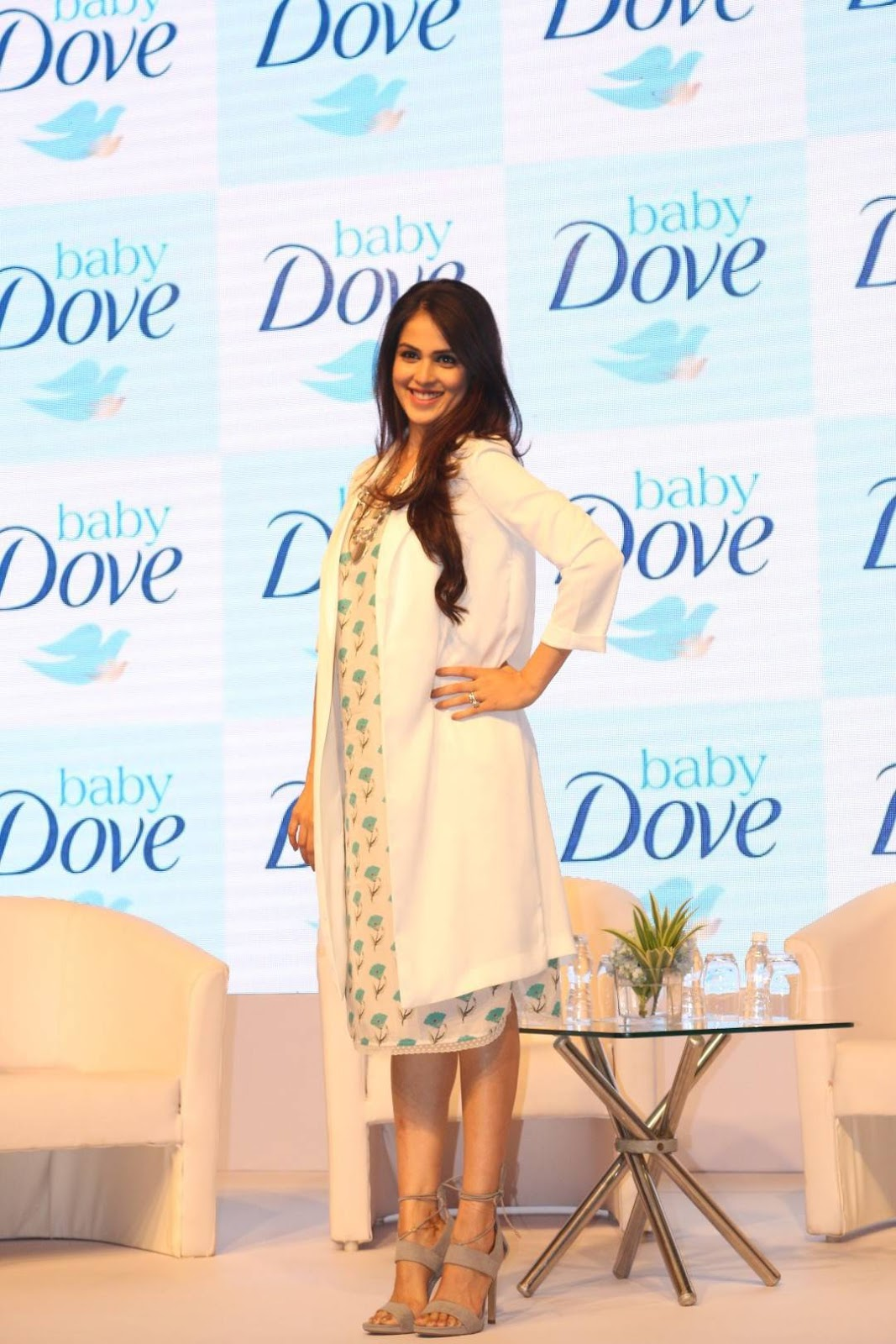 launch of dove soap Marketing plan of dove by kasi  at that time it was a very innovative concept that a non-soap cleanser is available which allows users to get rid of skin dirt.