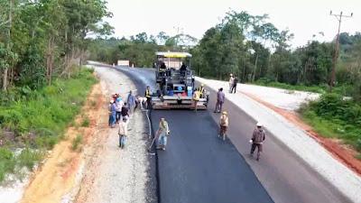 Jalan Perbatasan Kalimantan yang Sudah Diaspal Capai 550 Km - Info Presiden Jokowi Dan Pemerintah