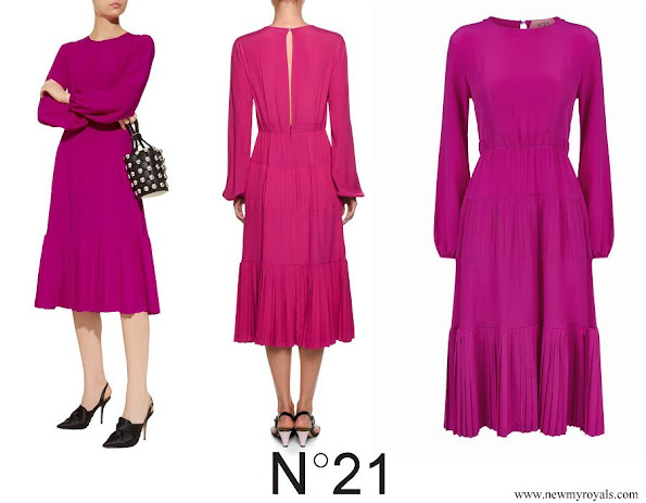 Crown Princess Mary wore No. 21 Long Sleeve Pleated Midi Dress