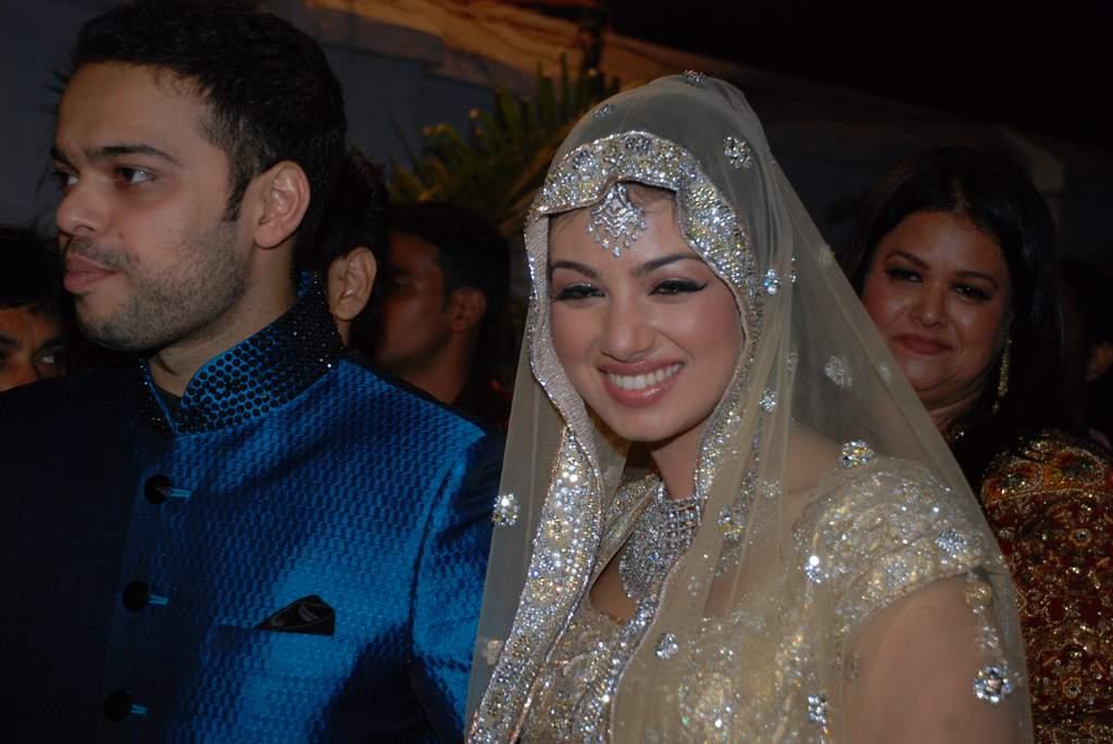 Ayesha Takia Wedding Hot Pics