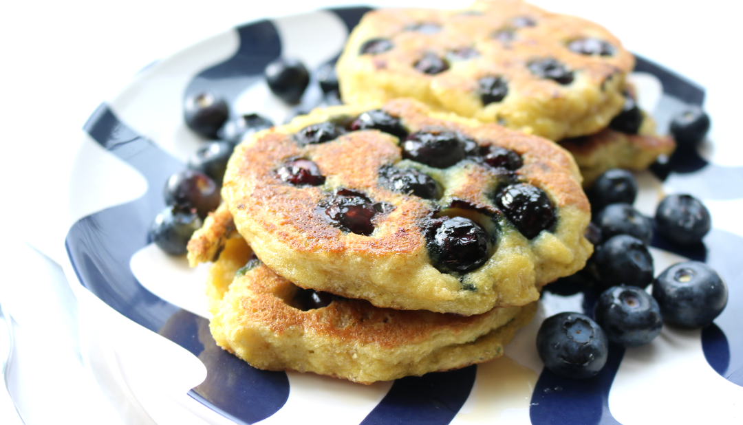Healthy Blueberry Pancakes (Gluten-Free, Vegetarian / Hemsley Hemsley recipe)