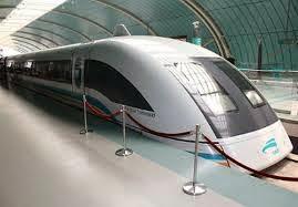 قطار ياباني يحطم رقم قياسى جديد في السرعة