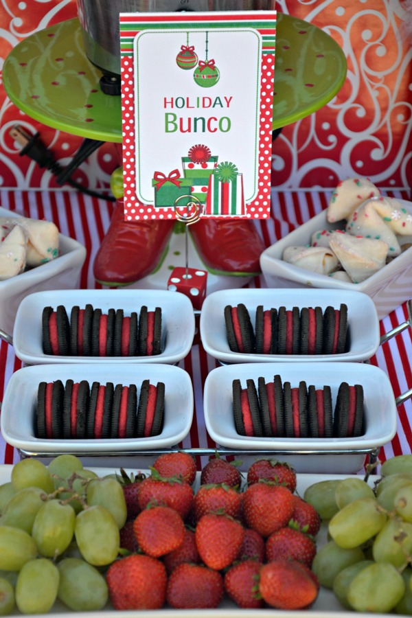 Fun Christmas Holiday Bunco Party Ideas - BirdsParty.com