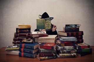 Manfaat membaca novel terjemahan