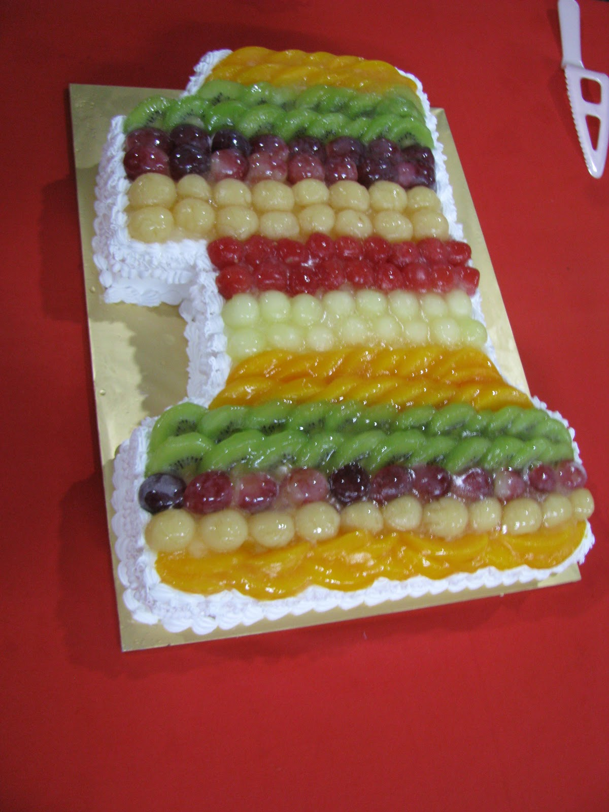 One Year Old Birthday Cake Yummy Fruit