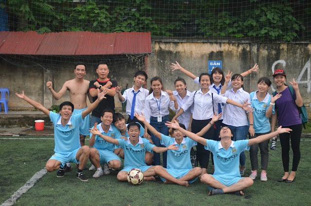 ngoại khóa bóng đá tại REACH
