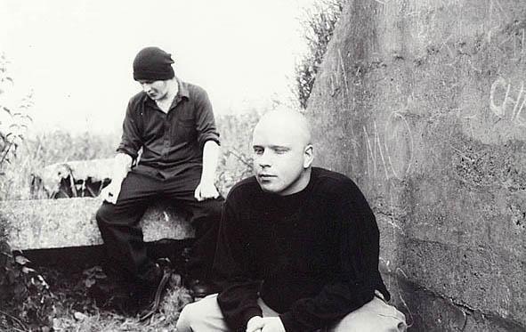 a321502223 November 6-án két régi-új zenekar lesz a soros, melyek zenei világa talán a  legközelebb áll a Rémálom a Nyár utcában sorozat eredeti, komor hangulatú  ...
