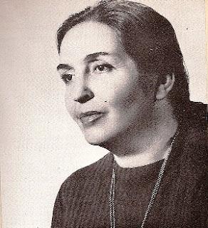 Στη φωτογραφία εικονίζεται η Μαντώ Αραβαντινού.