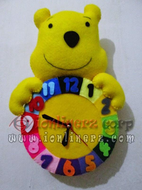 Jam Dinding Flanel Karakter Kartun Boneka Winnie the Pooh
