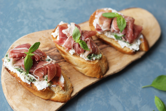parma ham, ricotta and basil bruschetta recipe