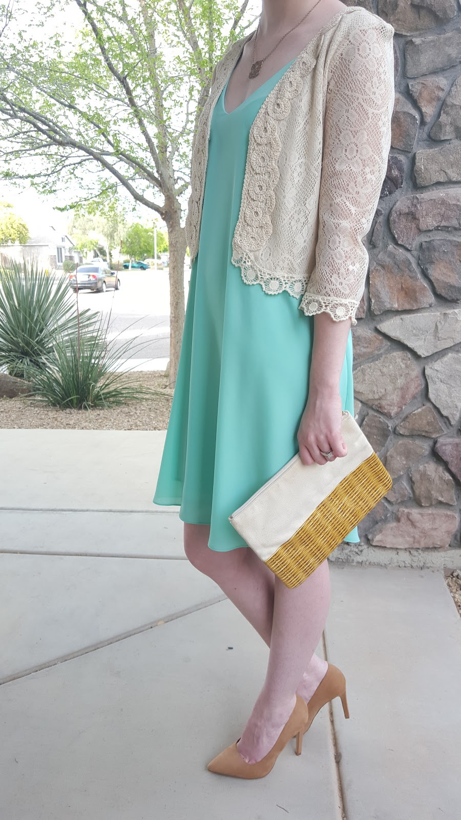 classy Spring dress outfit- perfect for easter!
