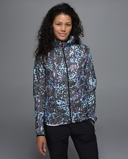 lululemon-pack-it-jacket