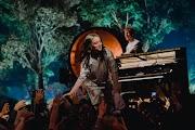 'Siento que todos le deben agradecimiento': Billie Eilish habla de Avril Lavigne con Apple Music