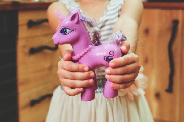 manfaat bermain mainan anak