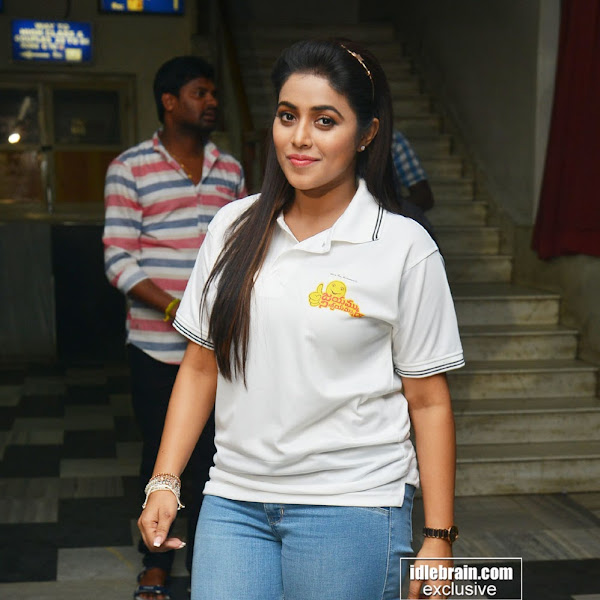 Shamna Kasim aka Poorna latest photos with Jayammu Nischayammuraa team at Satyam Theatre