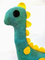 http://www.thediyfox.com/2015/04/felt-dinosaur.html