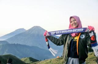 Persib Bandung Puncaki Klasemen Liga 1 2018, Bobotoh Kompak Upload Foto di Puncak