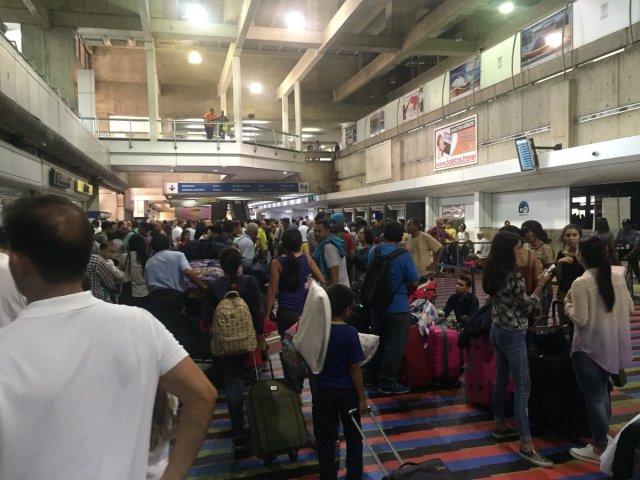 Aerolíneas habilitaron sistema de check-in manual en Maiquetía tras falla eléctrica