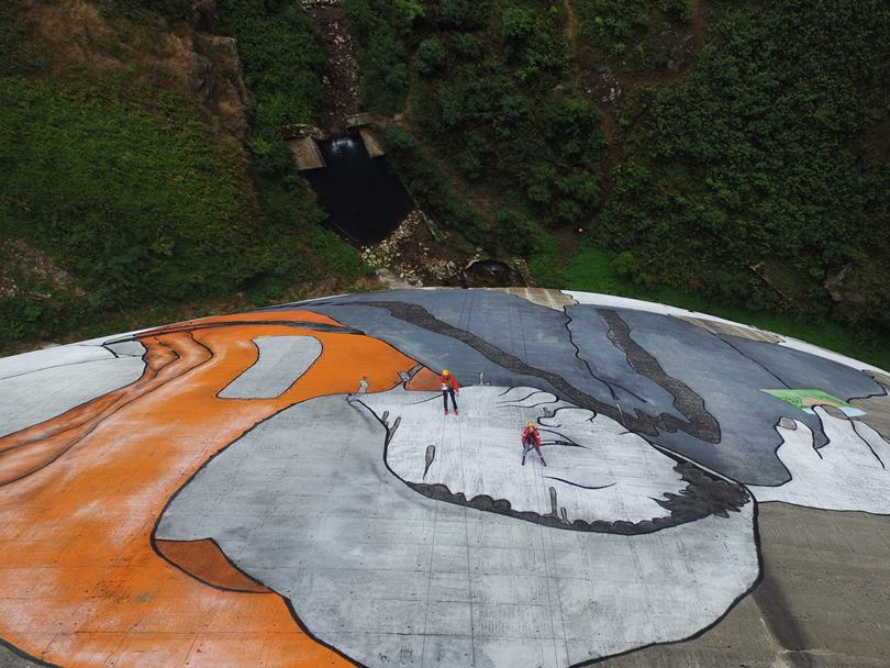 "The French duo graffiti artists Ella & Pitr is known for the size of their works. The Duo's most recent graphite is called Le Naufrage de Bienvenu , or ""The Shipwreck of the Well-Vindos."" It was made 47 meters high in a dam on the river Gier, and required ten days of work."