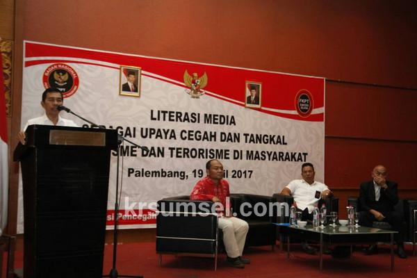 Ishak Mekki Buka Literasi Tangkal Radikalisme dan Terorisme