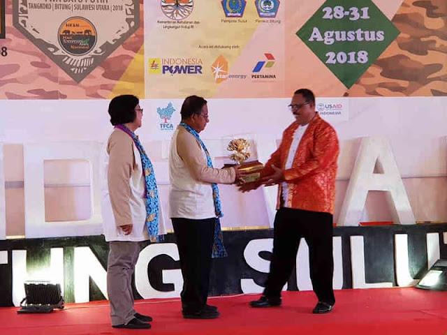 Ajar Kesadaraan Lingkungan di SMKN 3 Ambon, Wutmaili Romuty Raih Penghargaan Kalpataru