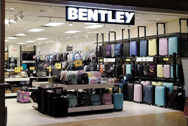 The Bentley chain will close 92 stores, including 25 in Quebec.