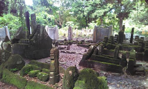 Kompleks Makam Raja Nepo