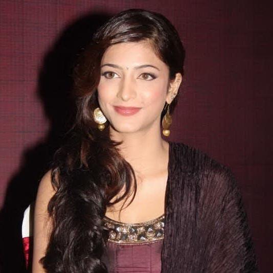 Actress Shruthi Hassan Hot