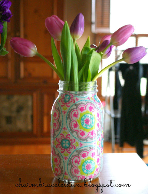 DIY Modern Mason jar vase using fabric and Mod Podge