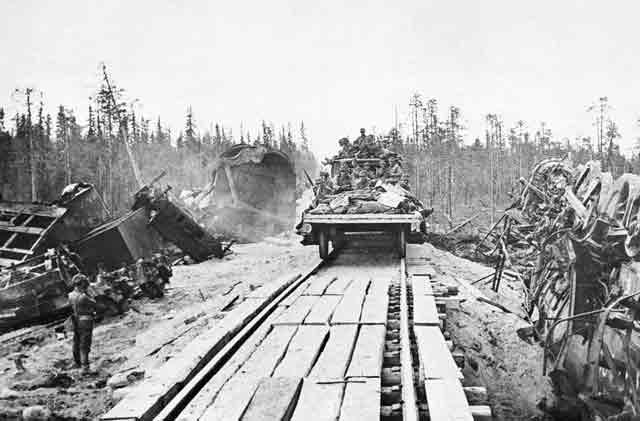 Finnish troop train 19 October 1941 worldwartwo.filminspector.com