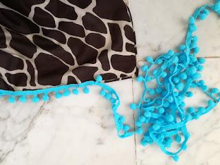 Giraffe Scarf sew on pompom ribbon Craftrebella